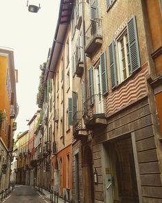 Eccoci in via Cerva con Antoine Laguerre #milanodavedere Milano da Vedere