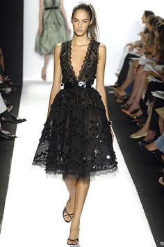 Oscar de la Renta Spring 2006 I want this dress very very very much
