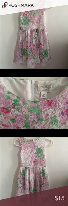 Girl's Lace Floral Children's Place Dress 👗 Beautiful lace floral dress in size 10. Also have the same dress available in size 5. Fast 💨 shipping. Children's Place Dresses