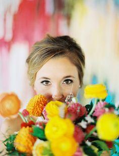 bouquet + bride, great shot!