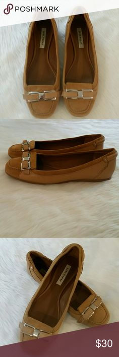 Zara women leather loafers Super cute Zara women tan leather loafers Size 38, these are a 7-8 US These are in very good used condition. Small scuff on back left shoe shown in last picture Zara Shoes Flats & Loafers
