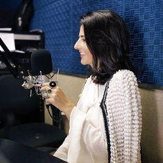 On set! Clique durante a entrevista que concedi a querida jornalista Daniella de Lavôr (@danielladelavor) hoje para o programa Tribuna BandNews FM da estação de rádio 1017 de Fortaleza. Adorei! E vai ao ar logo logo as 18h. Não percam!  #FhitsFortaleza