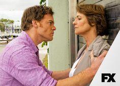 Uma misteriosa psiquiatra chega a Miami Metro para enfrentar Dexter com suas origens. Dexter - Última temporada, domingos, 23h  #AssistoFX Confira conteúdo exclusivo no www.foxplay.com