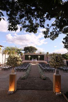Decor | Wedding Decor | Wedding Decoration | Decoração da cerimônia | Ceremony Decoration | Décor da cerimônia | Flores brancas | Inesquecível Casamento | Casamento | Wedding | Decoração | Decoração de Casamento
