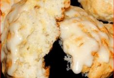PINEAPPLE SCONES Pineapple Scones are the best way to start the day! These are so delicious and smell so good while in the oven. Preparation time 15 mins Cooking time 35 mins YOU'LL NEED: 2 C… Breakfast Scones, Breakfast Recipes, Scone Recipes, Scones Recipe Allrecipes, Breakfast Options, Recipes Dinner, Pineapple Recipes, Sweet Bread, Gastronomia