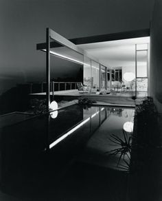 Image 3 of 14 from gallery of Julius Shulman Kaufmann House, 1947 Palm Springs, CA / Richard Neutra, architect © Julius Shulman Richard Neutra, Residential Architecture, Amazing Architecture, Interior Architecture, Building Architecture, Installation Architecture, Miami Architecture, Bauhaus Architecture, California Architecture