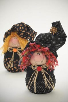The WITCH USA epattern by ilmondodellenuvole on Etsy Halloween Doll, Halloween Ornaments, Holidays Halloween, Halloween Crafts, Halloween Decorations, Adornos Halloween, Manualidades Halloween, Fall Crafts, Holiday Crafts
