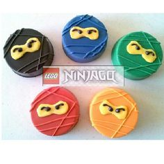 Ninjago inspired chocolate covered oreos by A Taste To Remember. #ninjas #ninjago #lego #oreo