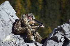 Z6(i) - WHEN SECONDS ARE CRUCIAL  The elegant appearance conceals the state-of-the-art technology that gives you maximum performance at the crucial moment. The Z6(i) makes no compromises when it comes to outstanding optical performance. Find out more: http://swarovs.ki/Z6_rifle_scopes #hunting #riflescope