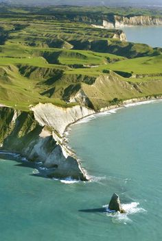 Cape Kidnappers, Hawkes Bay, New Zealand, North Island New Zealand North, New Zealand Travel, Kia Ora, Destinations, South Island, Grand Tour, Tasmania, Beautiful Landscapes, Wonders Of The World