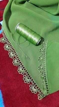 Very Stylish Hijab Towel Edge Floral 40 Needle Lace Pattern Filet Crochet, Zig Zag Crochet, Crochet Boarders, Crochet Edging Patterns, Crochet Lace Edging, Crochet Motifs, Tatting Patterns, Baby Knitting Patterns, Knitting Stitches