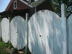 Wire spool fence