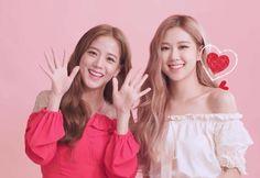 Jisoo and Rosè Blackpink Kpop Girl Groups, Korean Girl Groups, Kpop Girls, Yg Entertainment, Square Two, Black Pink Kpop, Blackpink Photos, Jennie Blackpink, Blackpink Jisoo
