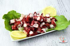 L'insalata di polpo è un tipico piatto della cucina napoletana e di molte regioni costiere, semplice da preparare ma con alcune regole da seguire.