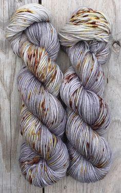 Steinbruch - Hand gefärbt Superwash Merino Wool Dk Garn sofort lieferbar