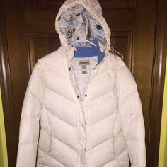 White puffy new gander mtn winter coat Super warm white puffy jacket. Great condition. Removable hood! Gander Mountain Jackets & Coats Puffers