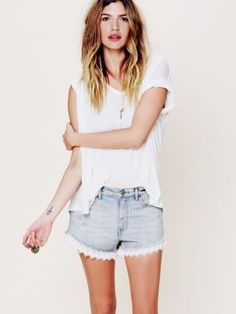 51.41$  Watch now - http://vinrz.justgood.pw/vig/item.php?t=e4d3zi24721 - NEW Free People Light Daisy Wash Denim Lacey Trim Cut Off Jean Shorts 27 4 51.41$