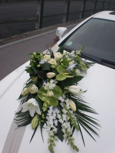 Diy Wedding Flowers, Green Wedding, Wedding Colors, Wedding Getaway Car, Flower Girl Wreaths, Bridal Car, Wedding Car Decorations, Wedding Designs, Wedding Cards