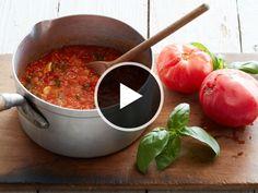 Kitchen Hack: Make Ugly Tomato Sauce