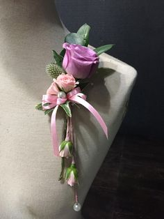 Who Wears Flowers at Wedding Prom Flowers, Bridal Flowers, Flower Bouquet Wedding, Bridesmaid Bouquet, Floral Wedding, Flower Corsage, Wrist Corsage, Wedding Stills, Corsage Wedding