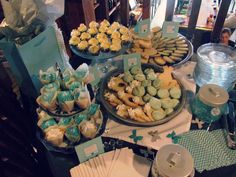 Breakfast at Tiffany's Theme Bridal Shower -- Cupcakes