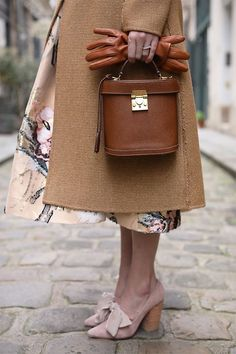 Atlantic Pacific Blair Eadie Paris Brock Collection / Fashion / Style / Outfit / Floral / Dressing with Dignity / Looks Vintage, Mark Cross, New Shape, Fashion Shoes, Fashion Accessories, Paris Fashion, Blair Eadie, Outfits Otoño, Skirt Outfits