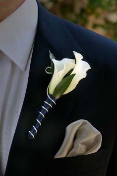 Boutonniere for Guys - Very Modern!