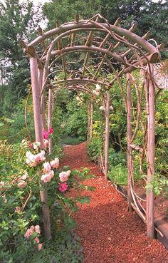 DIY Summer Idea: How to Build an Arbor for your Backyard. #summer #ideas #DIY #outdoor