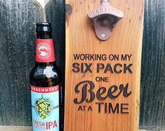 Beer Bottle Crafts, Beer Crafts, Wood Crafts, Diy Bottle Opener, Beer Bottle Opener, Wood Burning Crafts, Reclaimed Wood Projects, Diy Gifts For Him, Garage Signs