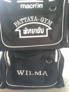 Tassen geborduurd voor Pattaya-Gym. De tas van Wilma