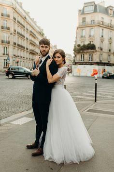 Love this destination elopement portrait inspo | Image by Vic Bonvicini Photography