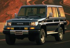 Toyota Land Cruiser J70 Prado 17