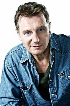 Liam Neeson as Jack Kane (Samantha's Dad) Handsome Actors, Hot Actors, Actors & Actresses, Actor Liam Neeson, Natasha Richardson, Preppy Mens Fashion, Cinema, Ralph Fiennes, British Men