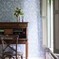En Bricotiendas te ofrecemos la colección Belmont.   Atractivo y degradado. Belmont le proporciona elegancia a sus paredes.  En esta colección aparecen modelos clásicos desde un nuevo punto de vista. Una bonita mezcla de texturas suaves y sofisticadas capas, modelos florales que convertirán tu casa en una mansión.