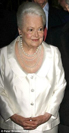 Happy 98th Birthday to Olivia de Havilland, the last female surviving cast member of Gone With The Wind! July 1, 2014