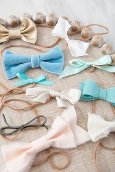 WOW! How To Make Baby Girl Headbands Using Nylons! Newborn Girl Headbands, Newborn Baby Girl Gifts, Diy Headband, Custom Headbands, Floral Headbands, Sewing Machine Quilting, Bow Template, Little Baby Girl, Diy Hair Accessories