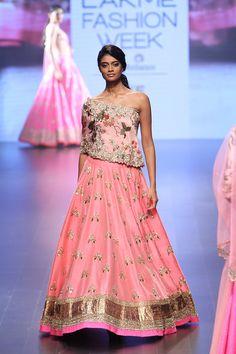 Anushree Reddy at Lakmé Fashion Week winter/festive 2016 Lakme Fashion Week, India Fashion, Ethnic Fashion, Modern Fashion, Indian Skirt, Indian Dresses, Indian Outfits, Indian Attire, Indian Ethnic Wear
