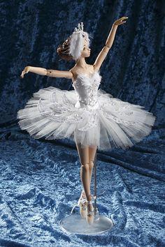 Barbie Gowns, Barbie Dress, Barbie Clothes, Barbie Ballet, Ballerina Doll, Made To Move Barbie, Barbie And Ken, Ballerina Ornaments, Custom Monster High Dolls