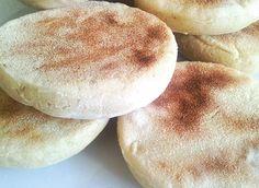 Pains à la poêle sans gluten. Attention : Pour la préparation, ne sélectionner que des produits sans gluten !