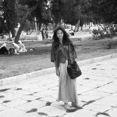 """Explanada Mezquita de la Roca. Jerusalén 1991.©. """"""""Sin mi cámara NO"""", fotografías personales que dan """"fe de vida"""" de la presencia física de la fotógrafa Gloria Giménez que estaba en el lugar """"del instante fotografiado"""" de sus Portfolios . Desde sus inicios 1991 hasta la actualidad."""