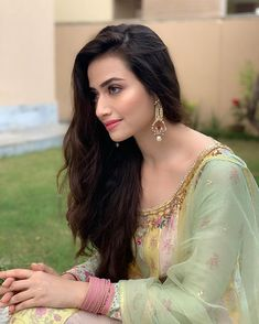 Sana Javed is one of the most Popular Pakistani TV actress now a days. City book presents Sana Javed top dramas list. List of top 5 Sana Javed dramas. Beautiful Girl Indian, Beautiful Girl Image, Beautiful Hijab, Beautiful Indian Actress, Beautiful Women, Beautiful Hands, Beautiful People, Simple Pakistani Dresses, Pakistani Party Wear Dresses