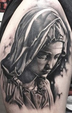 Virgin mary tattoo by Matteo Pasqualin Jesus Tattoo, Juncha Tattoo, Virgen Maria Tattoo, Tattoo Virgen, Religion Tattoos, Cool Chest Tattoos, Great Tattoos, Santas Tattoo, Best Tattoo Ever