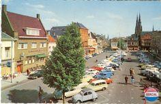 Markt Eindhoven (jaartal: 1960 tot 1970) - Foto's SERC Eindhoven, Walkable City, Citroen Ds, World View, Parking Lot, Car Park, Holland, Dolores Park, Nostalgia
