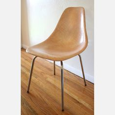 Mid Century Modern Eames Miller Style Fiberglass Chair U2013 Think PINK! This  Is A Mid Century Modern Eames Miller Style Chair By Douglas.