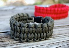 Paracord Bracelets | Super Cool DIY Christmas Gifts For Teens