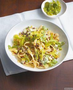Rezept für Winter-Pasta mit Linsen bei Essen und Trinken. Und weitere Rezepte in den Kategorien Gemüse, Kräuter, Milch + Milchprodukte, Nudeln / Pasta, Hauptspeise, Kochen, Einfach, Schnell, Vegetarisch, Hülsenfrüchte.