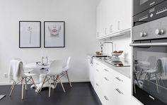 Небольшая белая квартира с высокими потолками и двумя спальнями (41 кв. м)   Пуфик - блог о дизайне интерьера