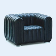 Josef Hoffmann Club Armchair - This 1910 design is testimony to the diversity of Josef Hoffmann's work. Wittmann has created a matching sofa. Art Furniture, Contemporary Furniture, Vintage Furniture, Furniture Design, Bauhaus Furniture, Unique Furniture, Upholstered Arm Chair, Armchair, Sofa Chair