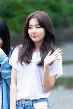 South Korean Girls, Korean Girl Groups, Kang Seulgi, Red Velvet Seulgi, Kim Yerim, Girl Power, Kpop Girls, Amazing Women, Female