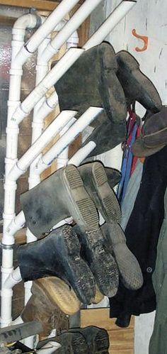 FARM SHOW - Easy-To-Make PVC Boot Rack